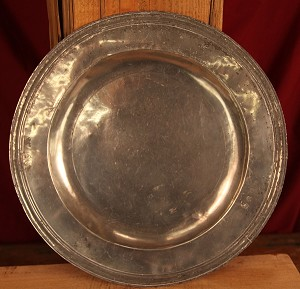 Circa 1670 15 Inch Large Rare Antique English Pewter Charger